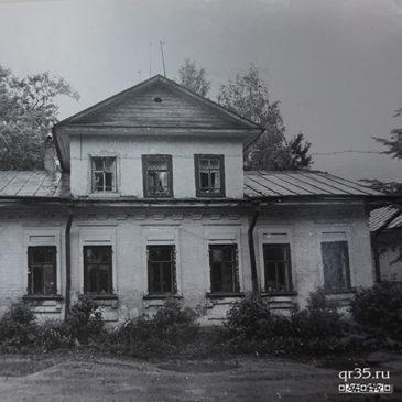 Новые таблички и статьи на сайте qr35.ru о памятниках Великого Устюга